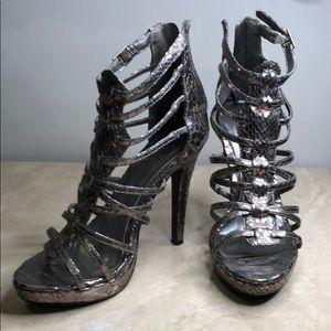Sneak skin high heel in silver shine metal colour
